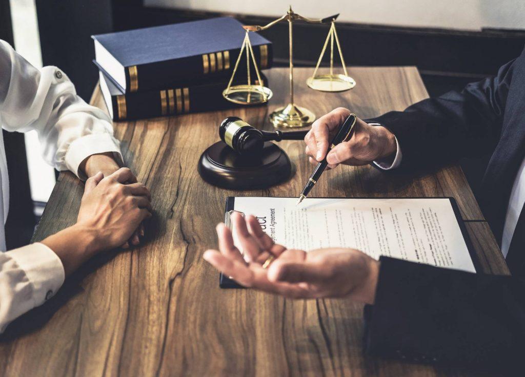 yurtışında hukuk okumanın faydaları nelerdir